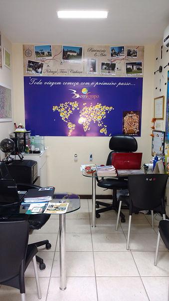 Interior da agência Bomtempo.jpg