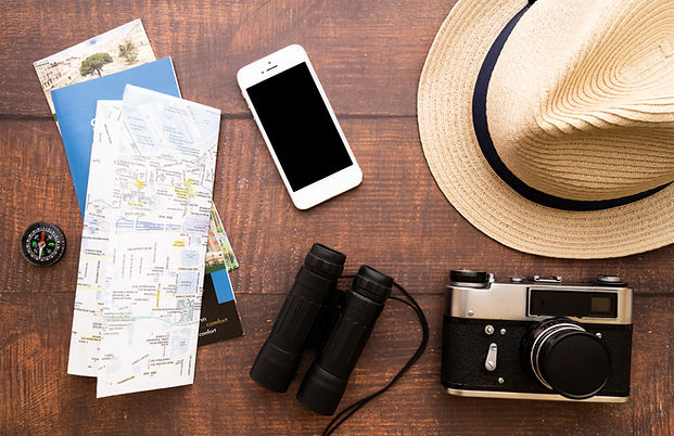 top-view-traveler-equipement.jpg