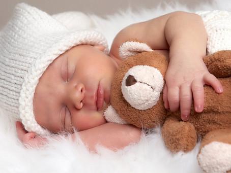 Conheça os padrões de sono de seu bebê