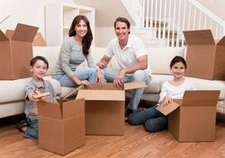 familia reunida envíos y encomiendas