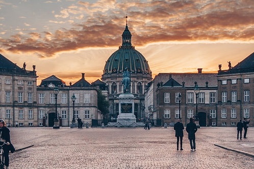 Amalienborg Castle (CPH) 299 DDK
