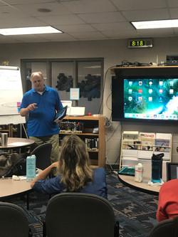 Teachers get to know their iPad