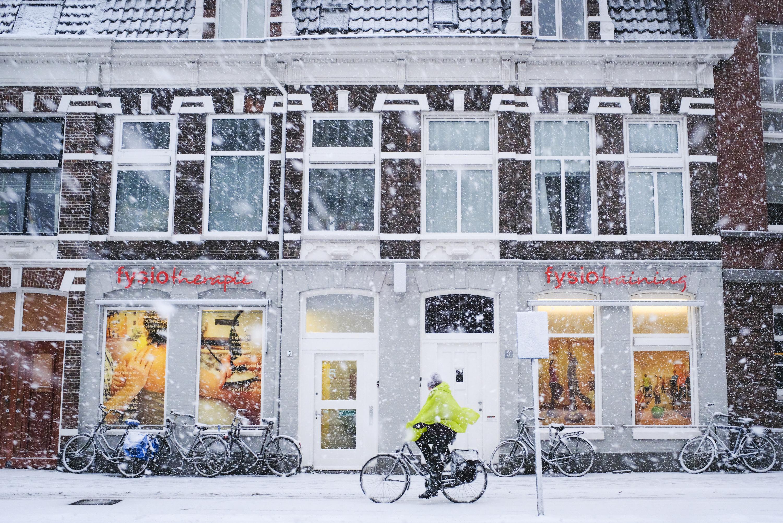 Gevel Zijlweg 5 in sneeuw