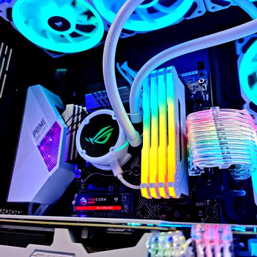 Lian Li White Gaming PC