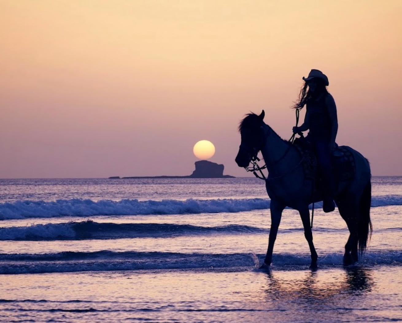 Beach Horse Back Ride - Rancho Chil.