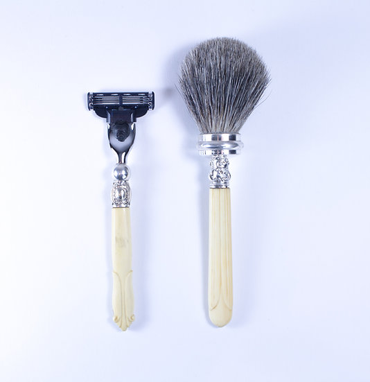 Mac 3 Razor & Badger shaving brush