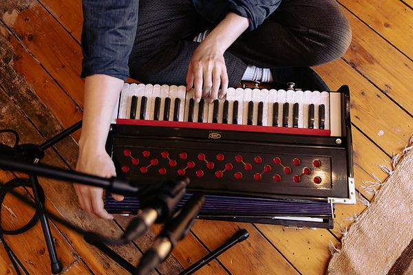 A harmonium miked up with an Beyerdnamic M201 and Beyerdynamic MC930. Wise Tree Studios - © Marieke Macklon