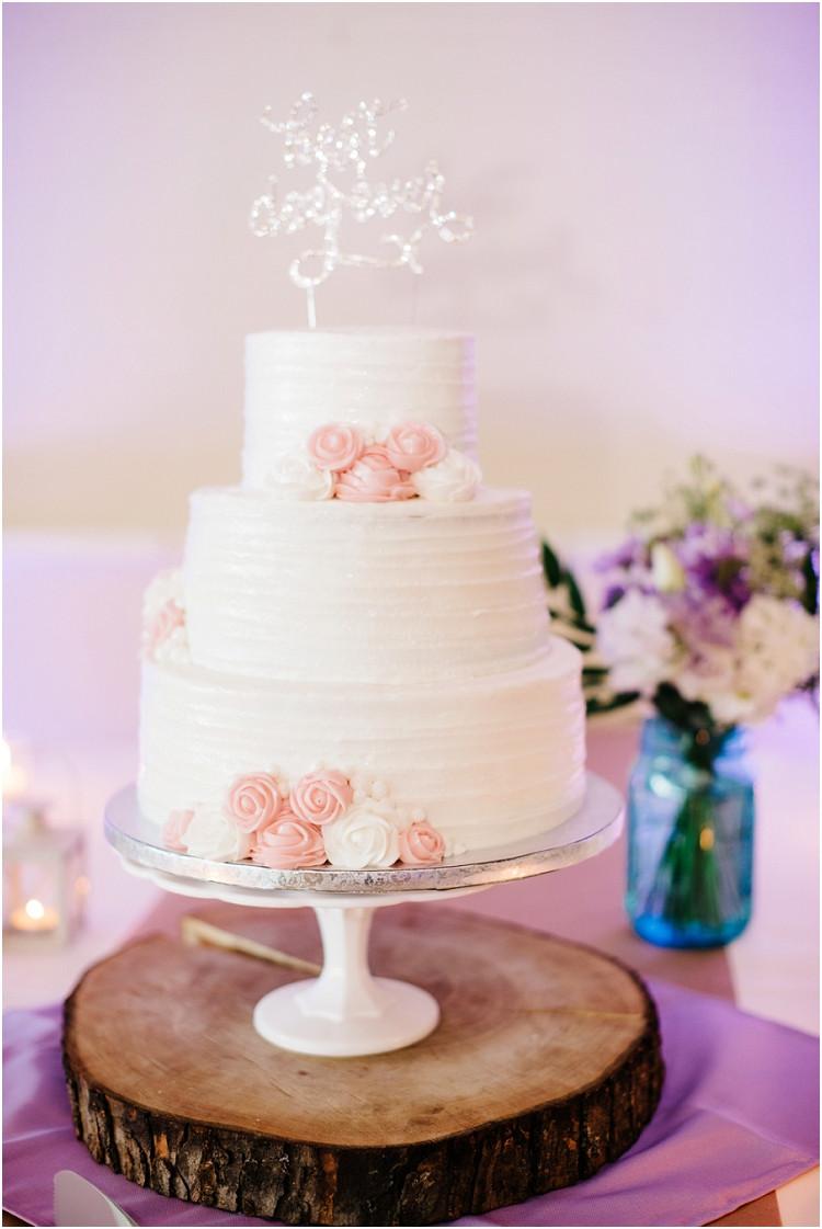 white-wedding-cake-at-best-western-premier-waterfront-hotel-wedding-by-appleton-wedding-photographer-kyra-rane-photography