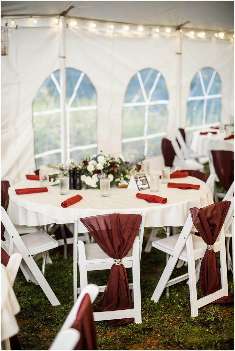 wedding-tent-table-settings-at-northern-wisconsin-autumn-wedding-by-appleton-wedding-photographer-kyra-rane-photography