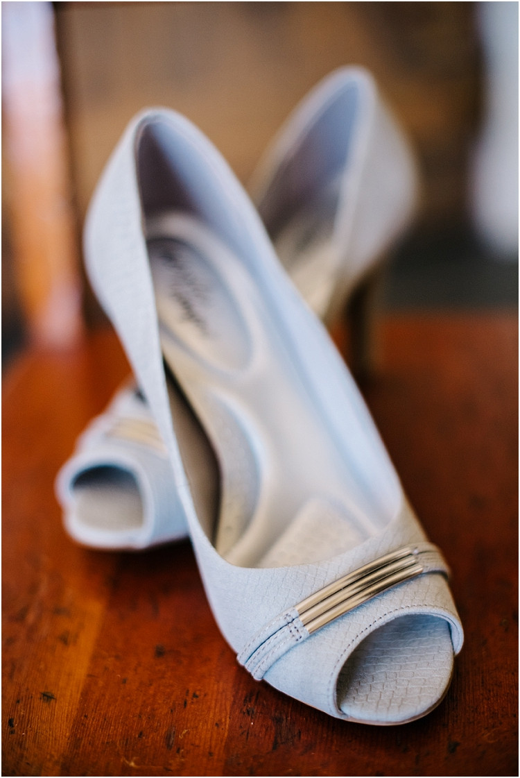 wedding-heels-at-barnsite-retreat-and-events-wedding-by-green-bay-wedding-photographer-kyra-rane-photography
