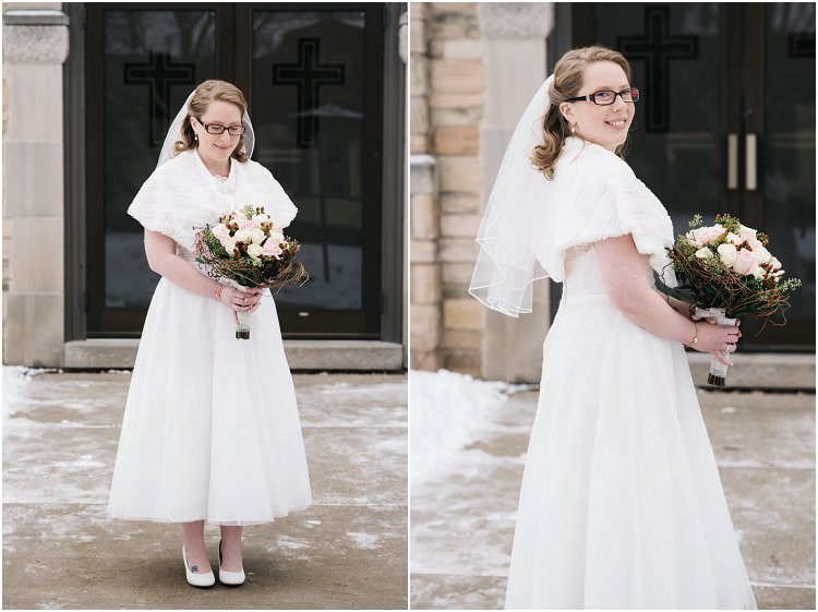 bridal-winter-portraits-at-sheboygan-winter-wedding-by-appleton-wedding-photographer-kyra-rane-photography