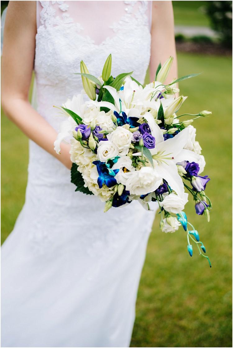 bridal-bouquet-at-olde-41-wedding-by-appleton-wedding-photographer-kyra-rane-photography