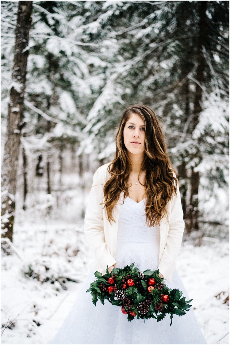winter-bride-looking-at-camera-at-wisconsin-winter-bridal-portraits-by-appleton-wedding-photographer-kyra-rane-photography
