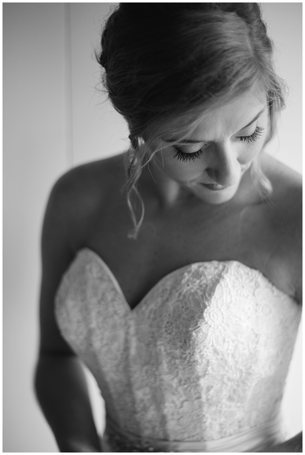 bridal-portrait-at-brighton-acres-wedding-by-green-bay-wedding-photographer-kyra-rane-photography