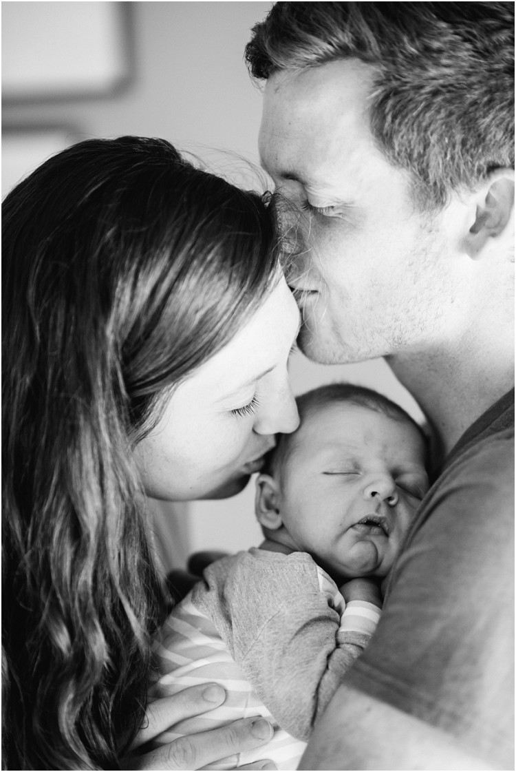 family-kisses-at-racine-newborn-session-by-appleton-wedding-photographer-kyra-rane-photography