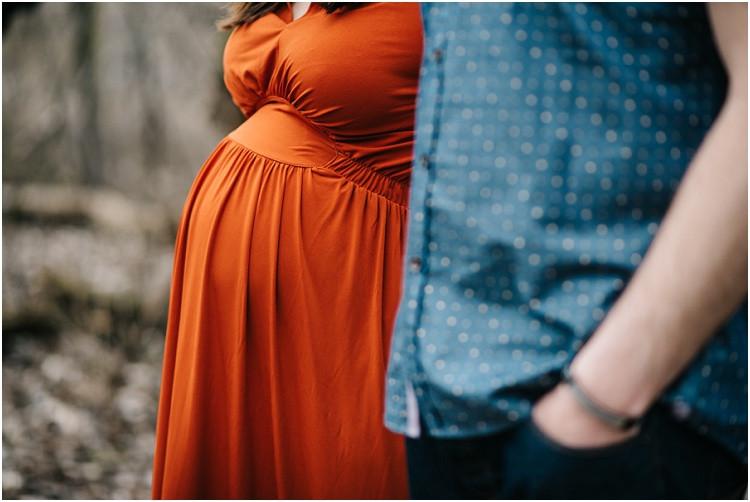 baby-bump-at-menasha-maternity-session-by-appleton-wedding-photographer-kyra-rane-photography
