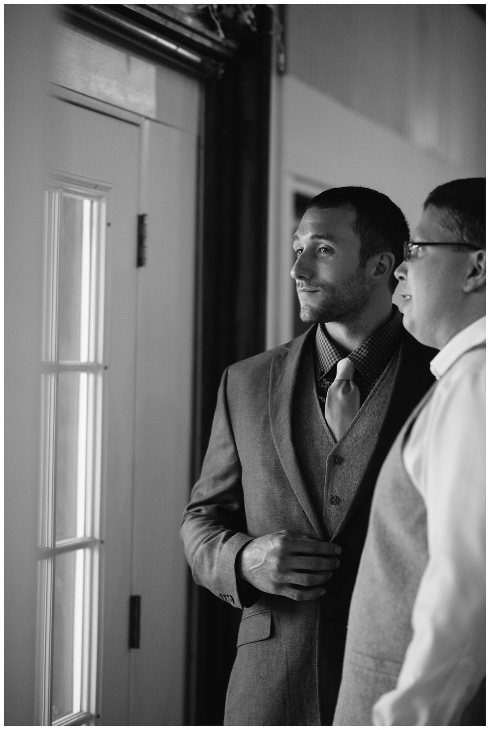 groom-before-ceremony-at-brighton-acres-wedding-by-milwaukee-wedding-photographer-kyra-rane-photography