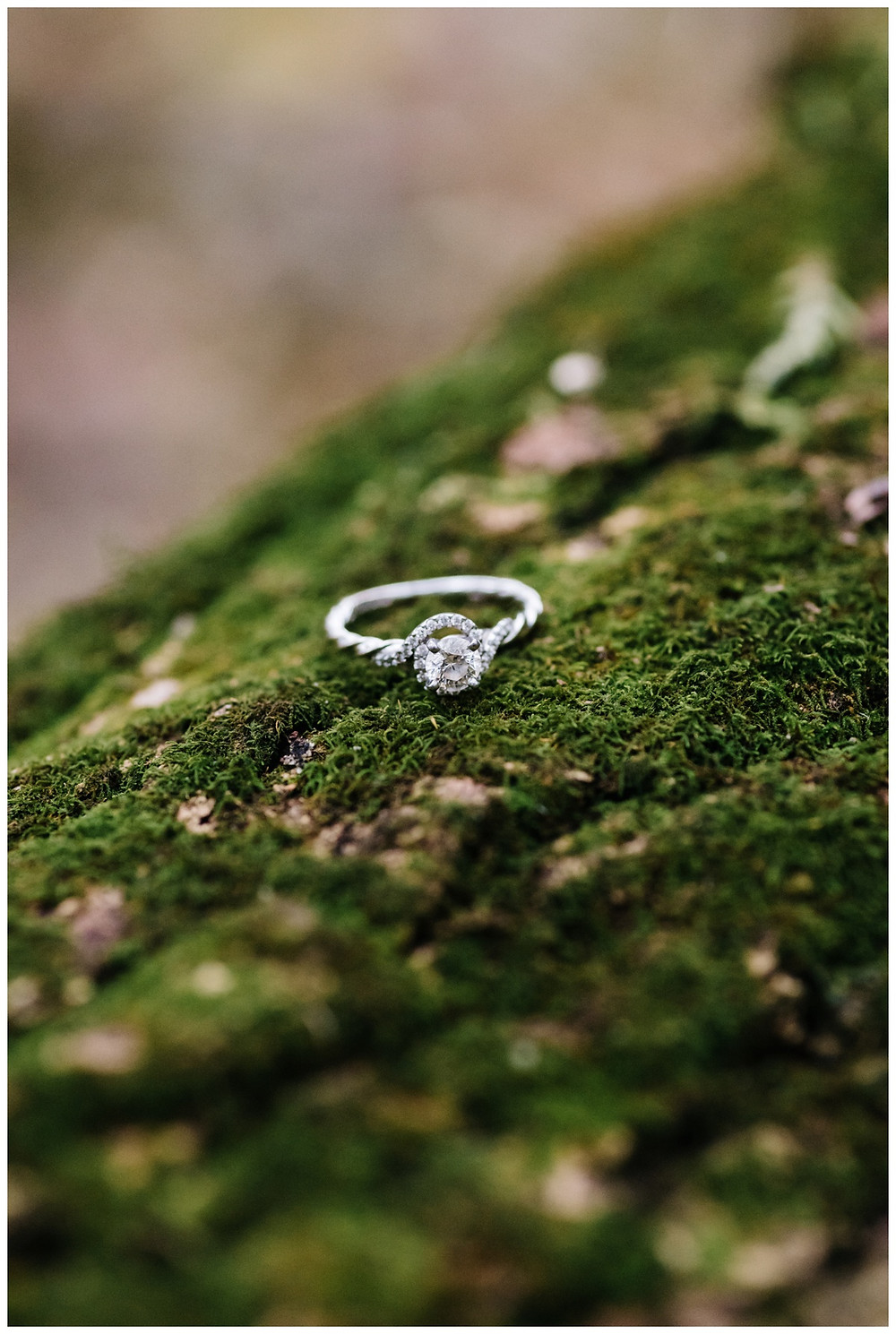 engagement-ring-at-green-bay-engagement-session-by-appleton-wedding-photographer-kyra-rane-photography
