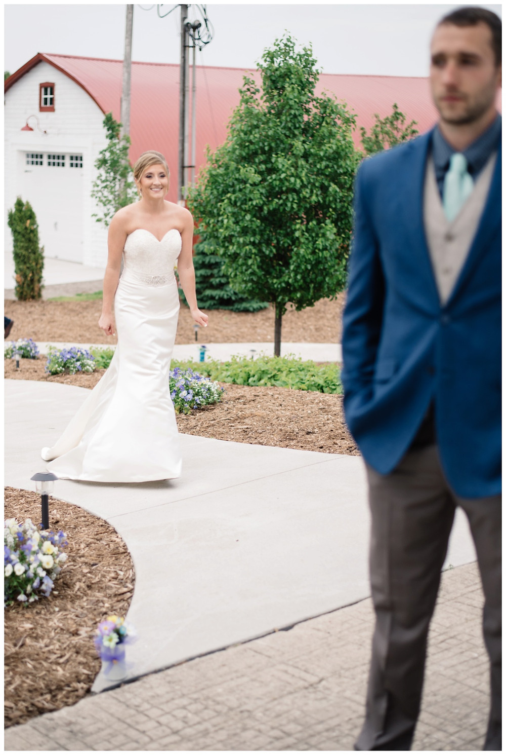 first-look-at-brighton-acres-wedding-by-appleton-wedding-photographer-kyra-rane-photography