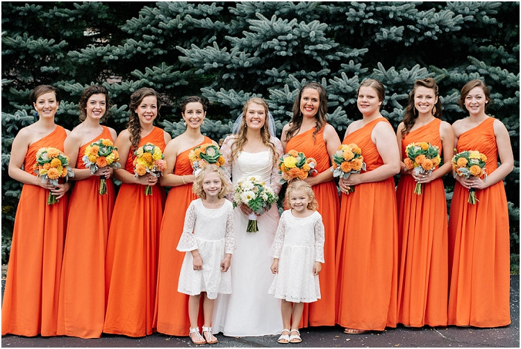 bride-with-bridesmaids-and-flower-girls-at-pamperin-park-wedding-by-green-bay-wedding-photographer-kyra-rane-photography