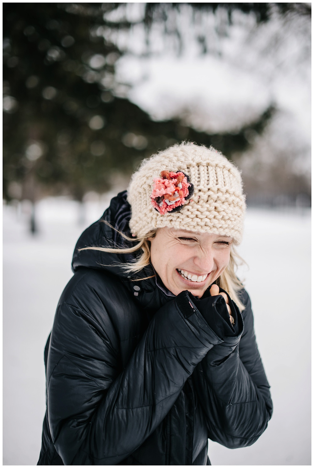 woman-in-crochet-hat-at-winter-portrait-session-at-pierce-park-by-milwaukee-wedding-photographer-kyra-rane-photography