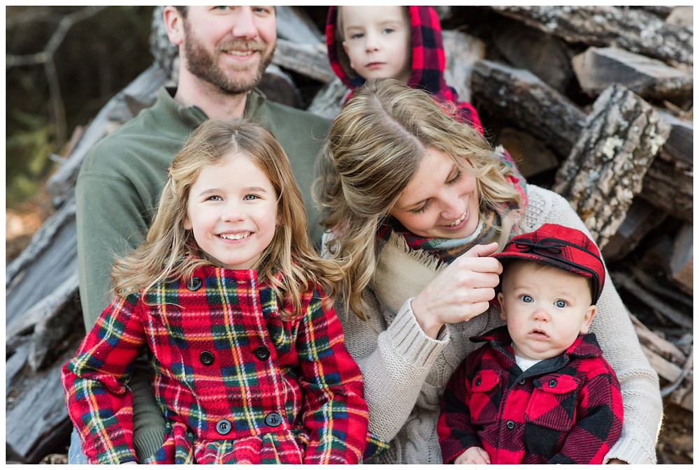 baby-with-red-hat-at-northwoods-lifestyle-session-by-green-bay-wedding-photographer-kyra-rane-photography