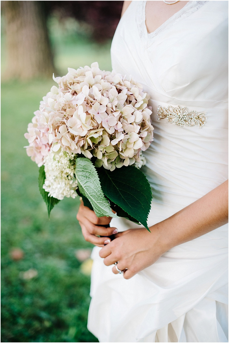 bridal-bouquet-at-de-pere-wedding-by-appleton-wedding-photographer-kyra-rane-photography