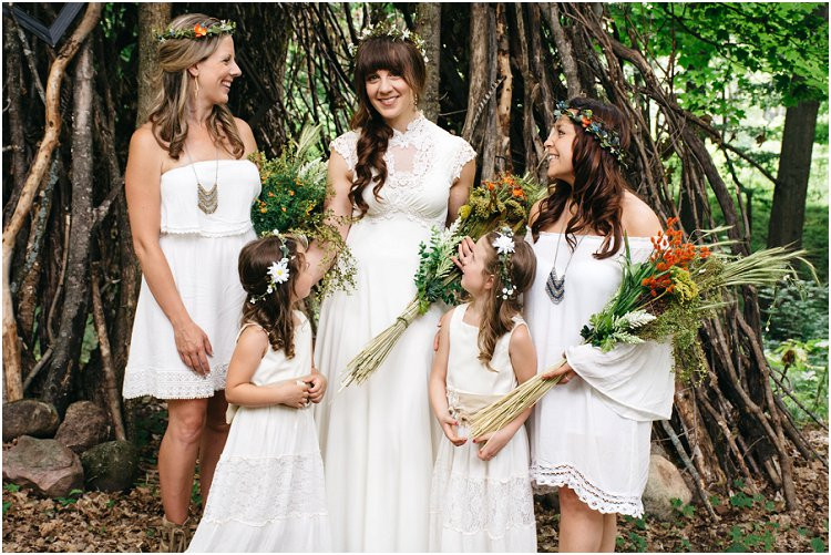 boho-bride-with-bridal-party-at-july-4th-elopement-by-appleton-wedding-photographer-kyra-rane-photography