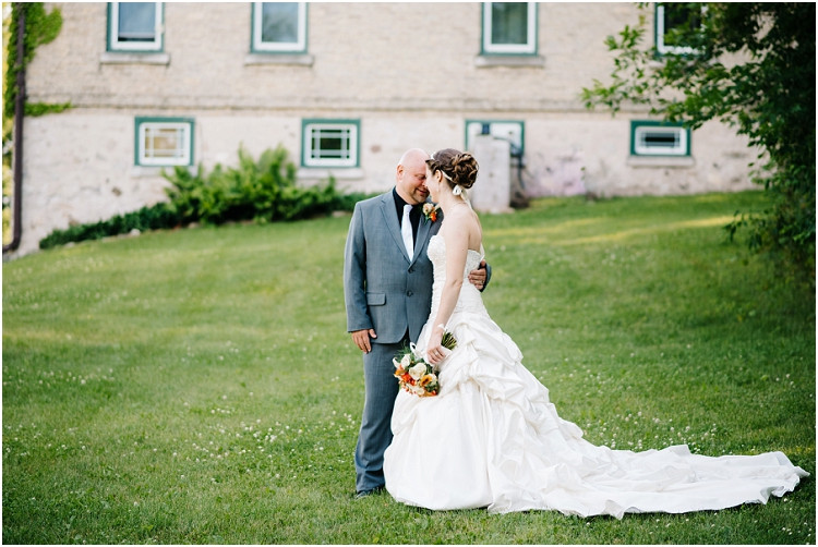 wedding-couple-with-noses-together-at-wisconsin-farm-wedding-by-appleton-wedding-photographer-kyra-rane-photography