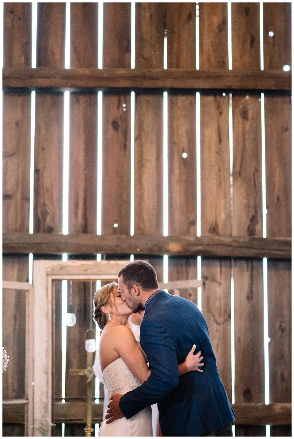 first-kiss-at-brighton-acres-wedding-by-appleton-wedding-photographer-kyra-rane-photography