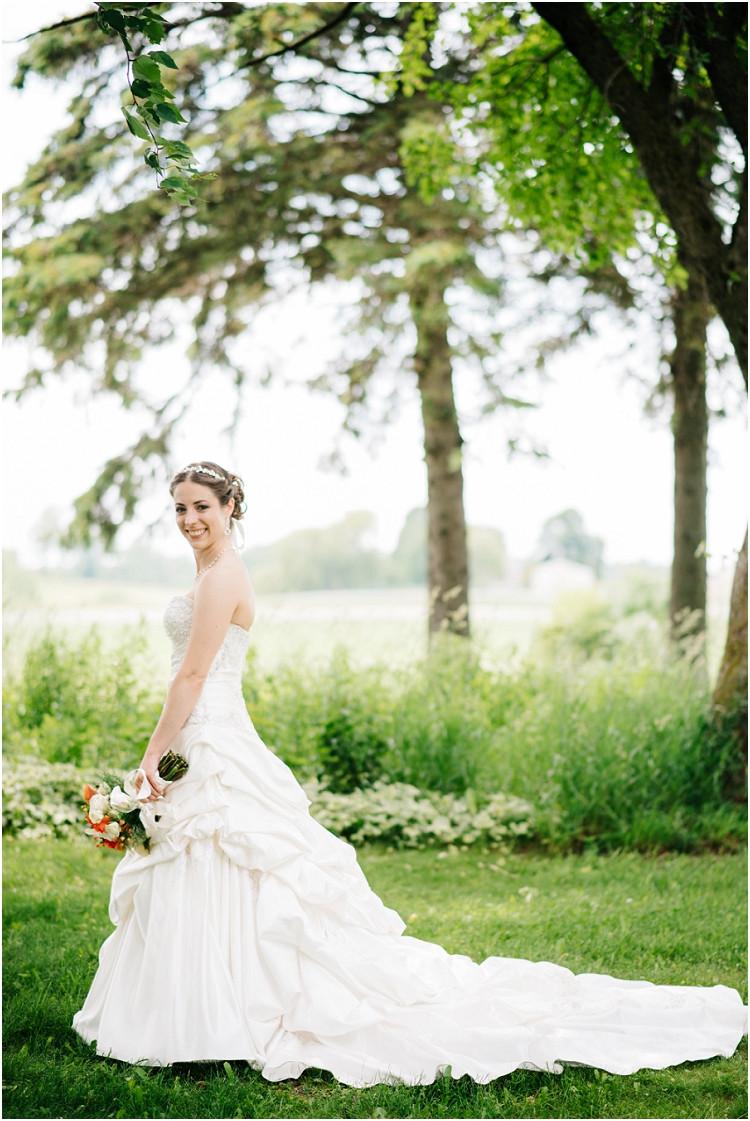 bridal-portrait-with-bouquet-at-wisconsin-farm-wedding-by-appleton-wedding-photographer-kyra-rane-photography