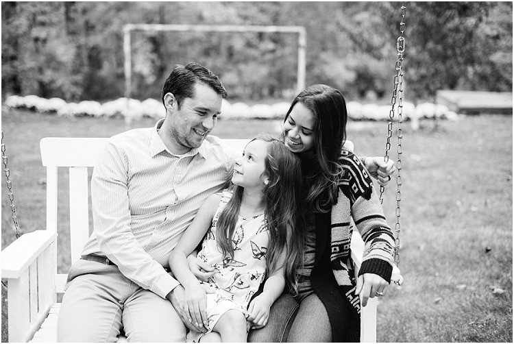 family-swinging-at-fall-mini-session-favorites-by-appleton-wedding-photographer-kyra-rane-photography