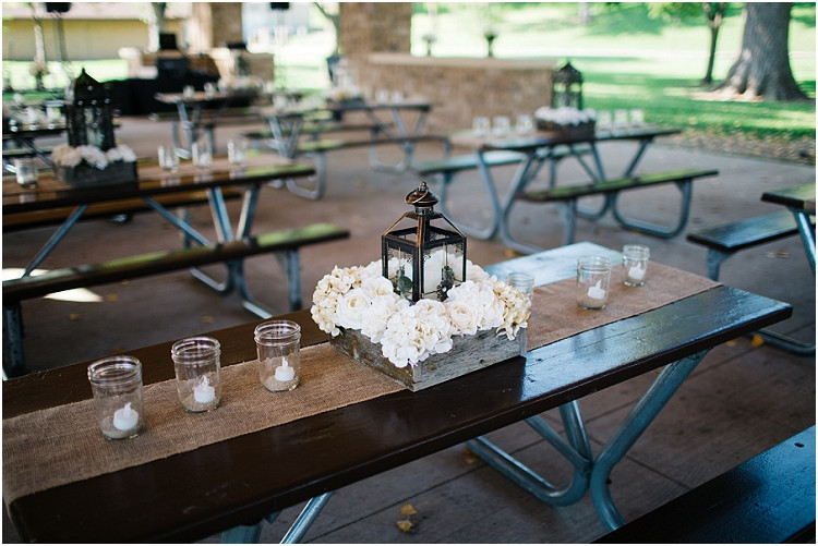 reception-centerpieces-at-little-chute-waterfront-wedding-by-appleton-wedding-photographer-kyra-rane-photography