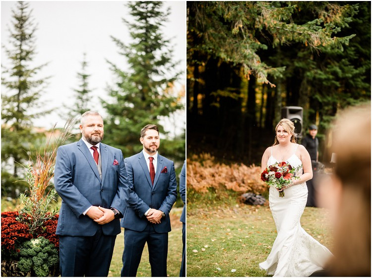 groom-looking-at-bride-walking-down-aisle-northern-wisconsin-autumn-wedding-by-appleton-wedding-photographer-kyra-rane-photography