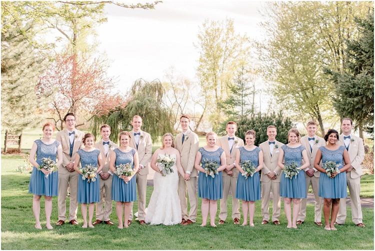 wedding-party-at-minnesota-wedding-by-green-bay-wedding-photographer-kyra-rane-photography