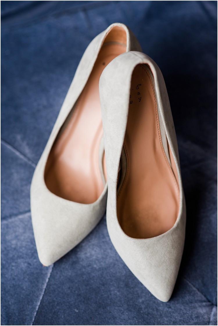 blue-wedding-heels-at-de-pere-wisconsin-wedding-by-appleton-wedding-photographer-kyra-rane-photography