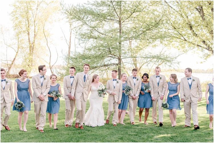 wedding-party-walking-at-minnesota-wedding-by-green-bay-wedding-photographer-kyra-rane-photography