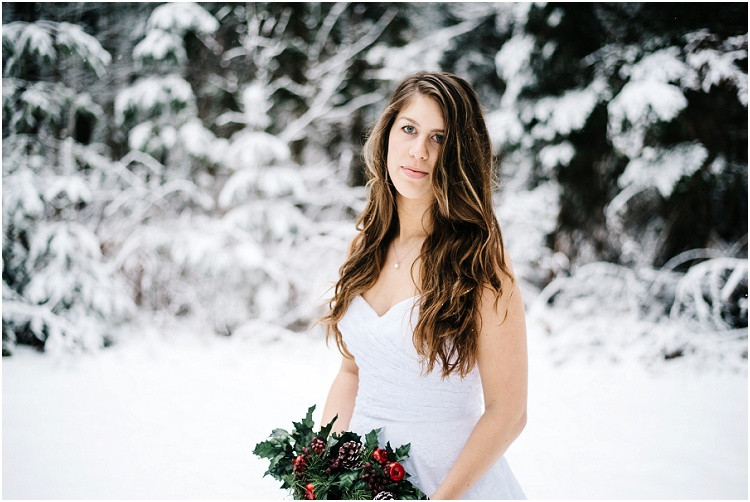 winter-bride-at-wisconsin-winter-bridal-portraits-by-appleton-wedding-photographer-kyra-rane-photography