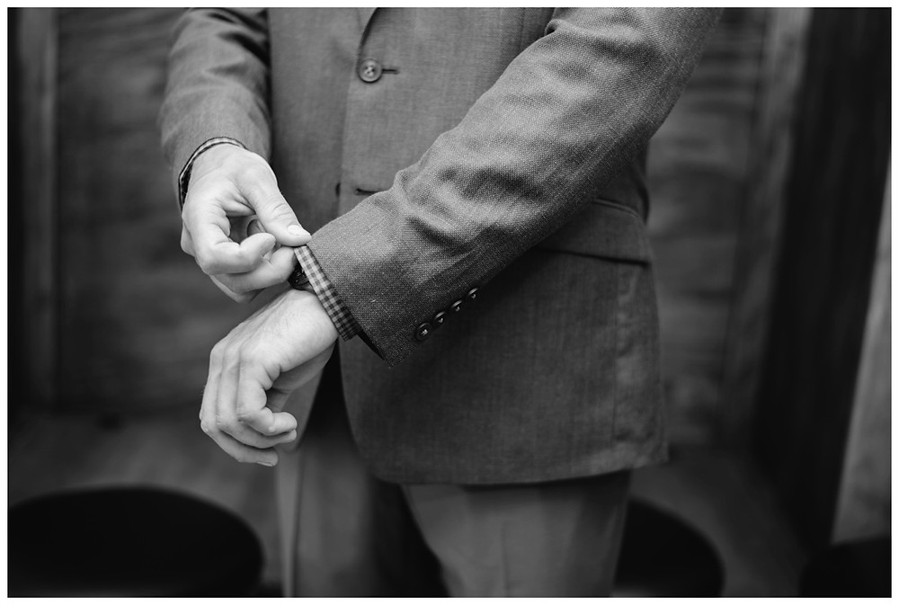 groom-getting-ready-at-brighton-acres-wedding-by-appleton-wedding-photographer-kyra-rane-photography