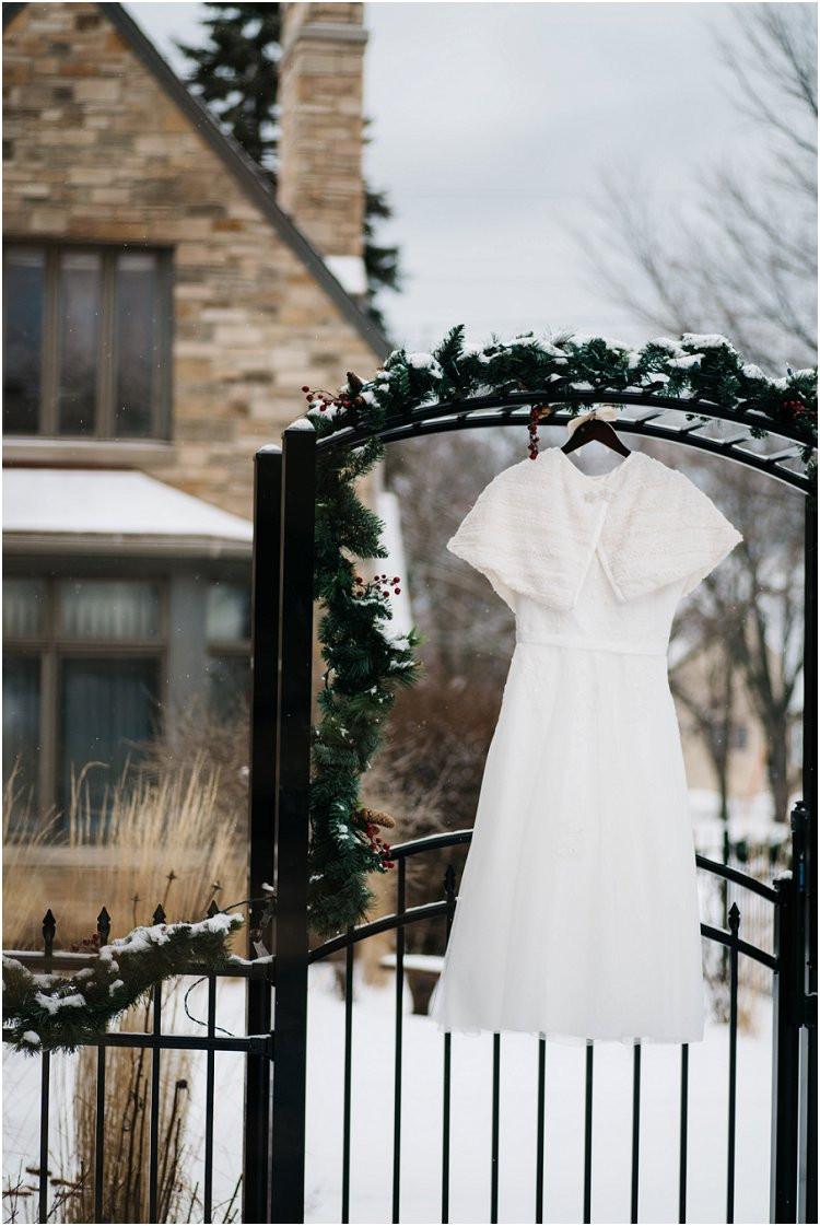 white-wedding-dress-at-sheboygan-winter-wedding-by-appleton-wedding-photographer-kyra-rane-photography