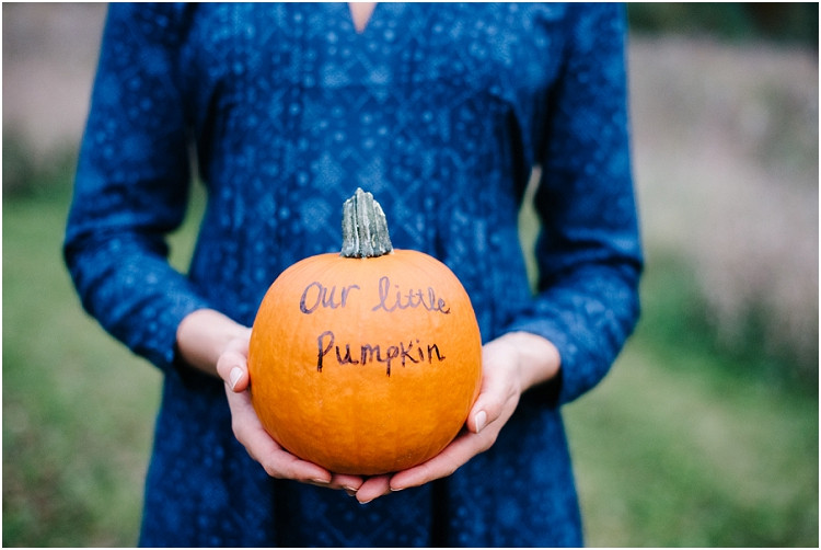 pregnancy-announcement-at-fall-mini-session-favorites-by-appleton-wedding-photographer-kyra-rane-photography