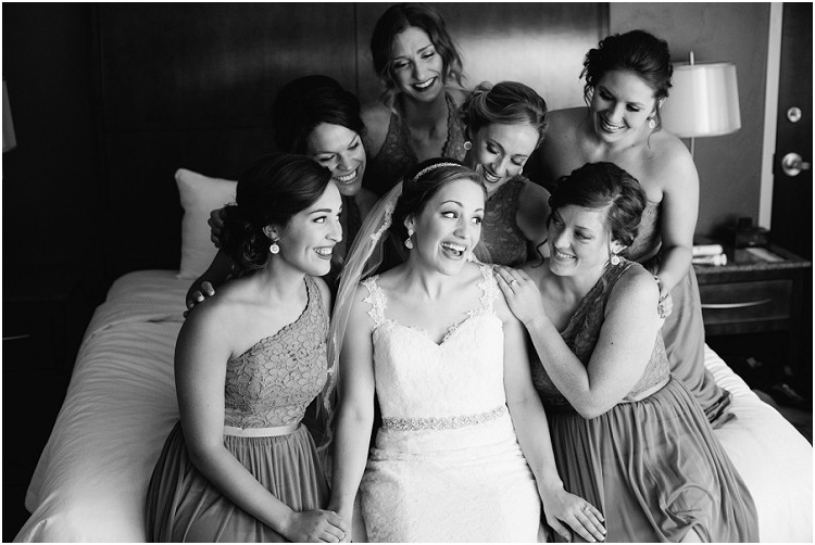 bride-and-bridesmaids-getting-ready-at-best-western-premier-waterfront-hotel-wedding-by-green-bay-wedding-photographer-kyra-rane-photography
