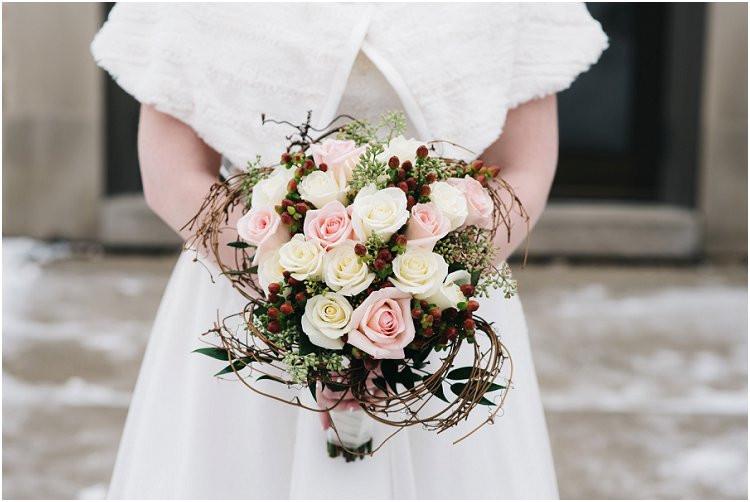 bridal-rose-bouquet-at-sheboygan-winter-wedding-by-green-bay-wedding-photographer-kyra-rane-photography