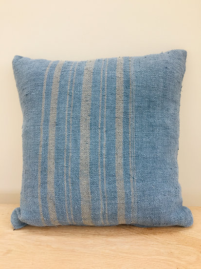 Grain - dyed blue square