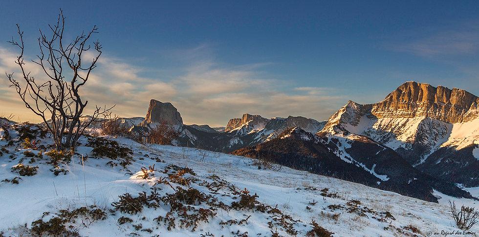 Premières lumières depuis la montagne de Gresse