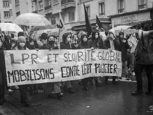 MANIFESTATION CONTRE LA LOI SECURITE GLOBALE DANS UNE AMBIANCE FESTIVE CE JOUR A GRENOBLE