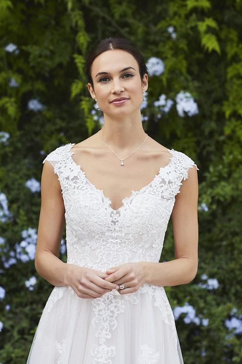Tiffanys Westport Gown Size 16