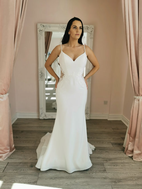 Enzoani Beautiful 19-2 Gown Size 12