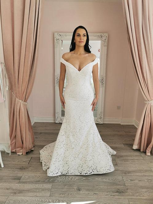 Enzoani Beautiful 19-27 Gown Size 14