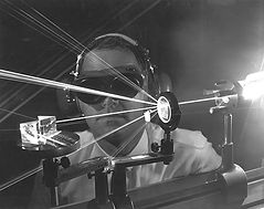 theodore mainman laser geschiedenis.jpg